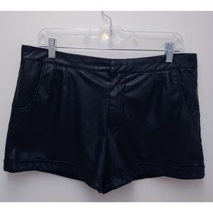 Willow & Clay Faux Leather Cuffed Shorts Size 10